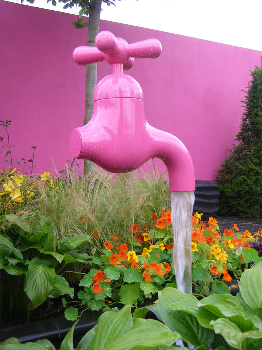 Quirky water sculptures bring fun to gardens